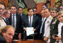 'Estamos nos sentindo traídos', diz representante de policiais sobre reforma de Bolsonaro