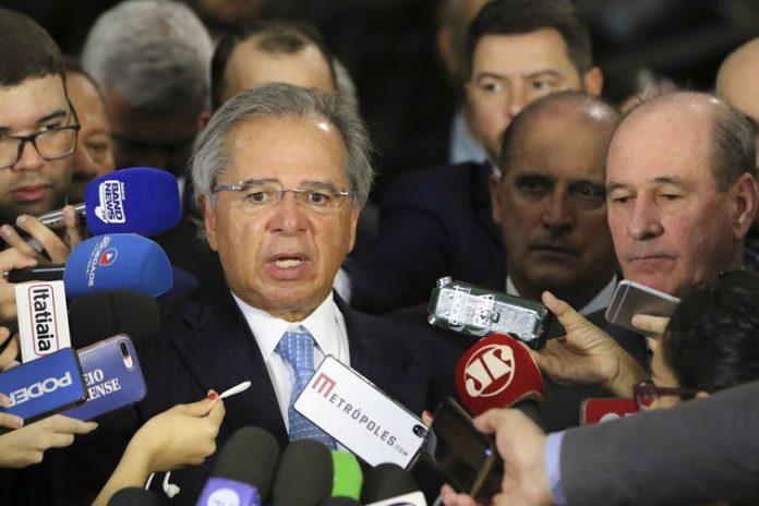 Ainda de acordo com Paulo Guedes, a equipe econômica só participou das negociações relacionadas às mudanças nas regras previdenciárias dos militares.